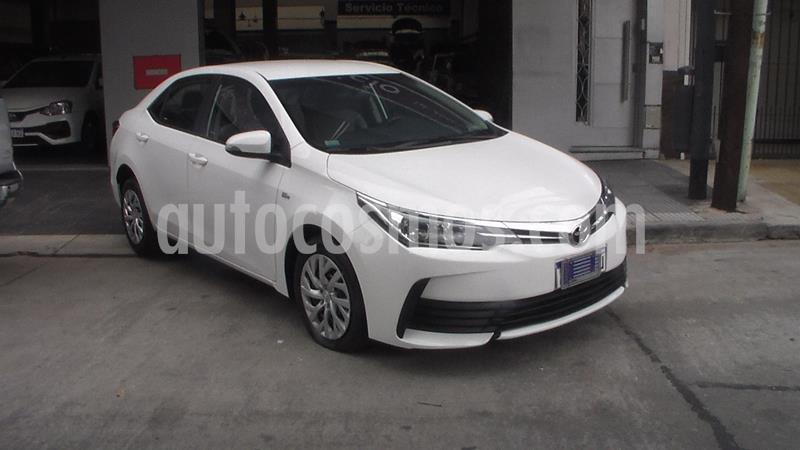 Toyota Corolla 1.8 XLi usado (2018) color Blanco precio $1.749.900