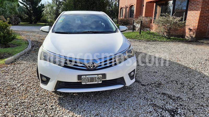 Toyota Corolla 1.8 XEi usado (2015) color Blanco precio $890.000