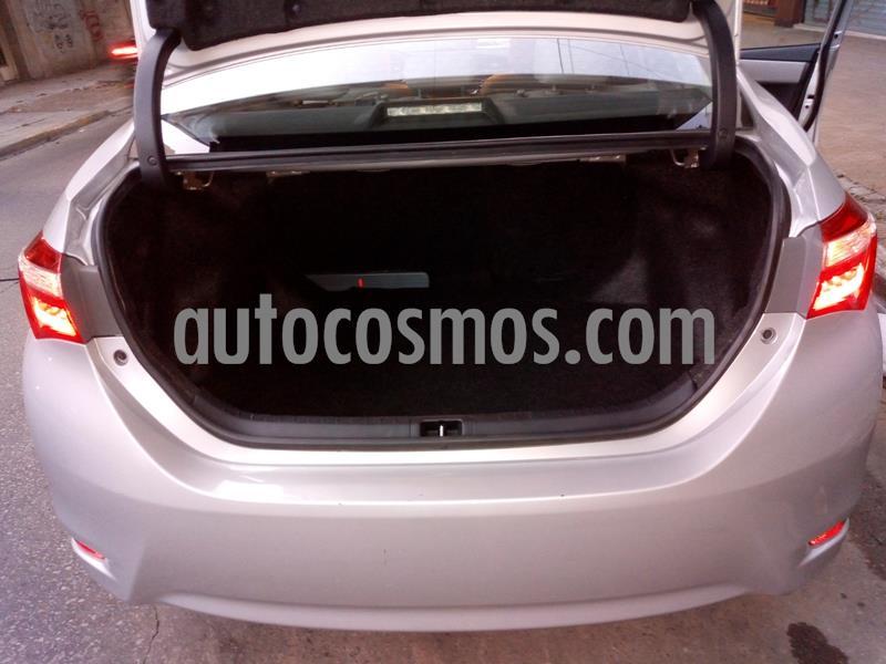 Toyota Corolla 1.8 XEi Aut usado (2017) color Gris Plata  precio $1.650.000