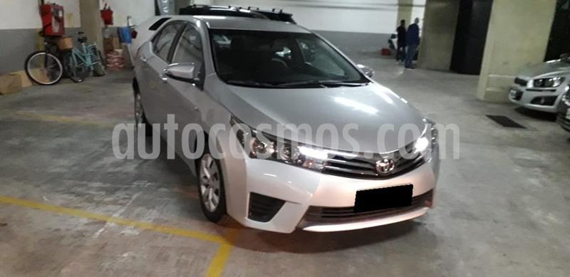 Toyota Corolla 1.8 XLi Aut 2016-2017 usado (2016) color Gris Plata  precio $1.070.000