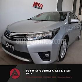 Toyota Corolla 1.8 XEi usado (2014) color Gris Plata