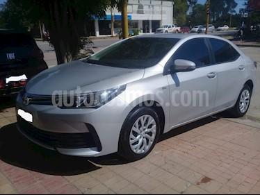 Toyota Corolla 1.8 XLi 2016-2017 usado (2019) color Gris Plata  precio $990.000