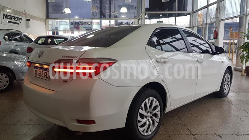 Toyota Corolla 1.8 XEi usado (2018) color Blanco precio $1.530.000