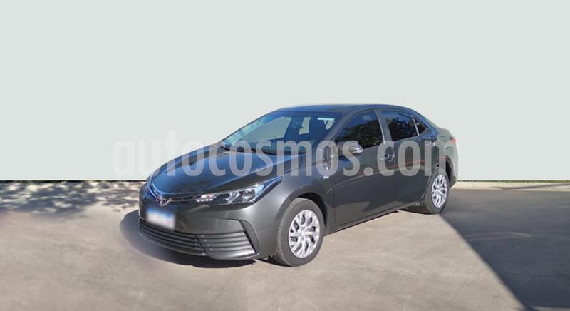 Toyota Corolla 1.8 XLi CVT usado (2017) color Gris Oscuro precio $1.750.000