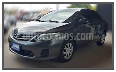 Toyota Corolla 1.8 XLi usado (2012) color Gris Oscuro precio $530.000