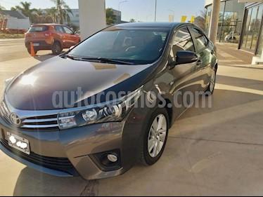 Toyota Corolla 1.8 XEi Aut usado (2014) color Gris Oscuro precio $945.000