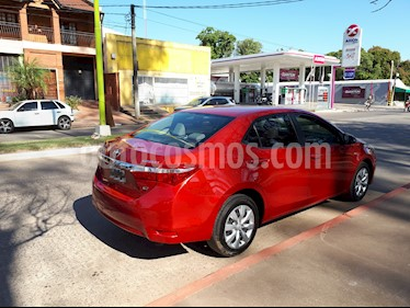 Toyota Corolla 1.8 XLi usado (2016) color Rojo precio $920.000