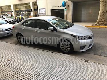 Toyota Corolla 1.8 XLi 2016-2017 usado (2017) color Gris Plata  precio $880.000