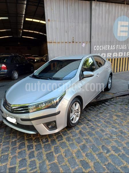 Toyota Corolla 1.8 XEi Pack usado (2014) color Gris Plata  precio $1.120.000