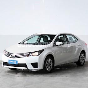 Toyota Corolla 1.8 XLi usado (2017) color Blanco precio $876.000
