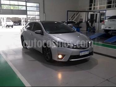 Toyota Corolla 1.8 XEi usado (2017) color Gris Claro precio $920.000