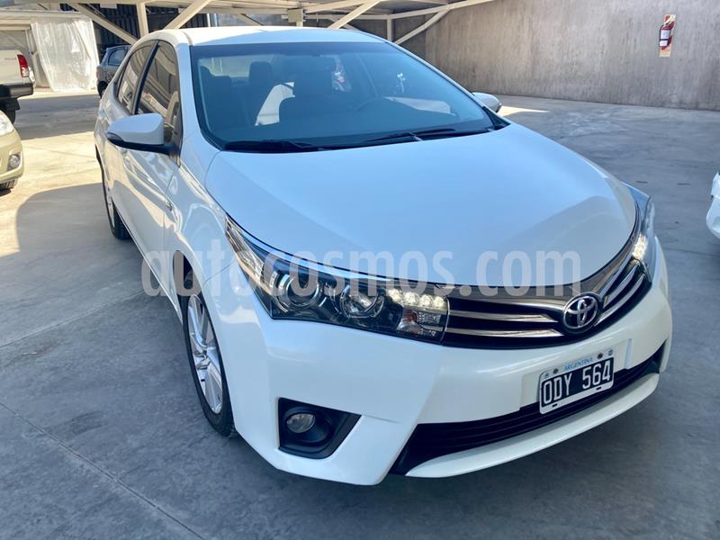 Toyota Corolla 1.8 XEi Aut usado (2014) color Blanco precio $1.085.000