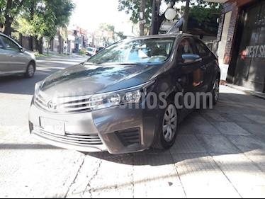 Toyota Corolla 1.8 XLi usado (2015) color Gris Oscuro precio $650.000