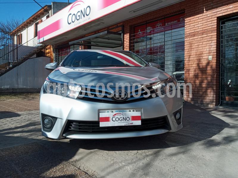 Toyota Corolla 1.8 XEi usado (2015) color Gris Claro precio $111.111