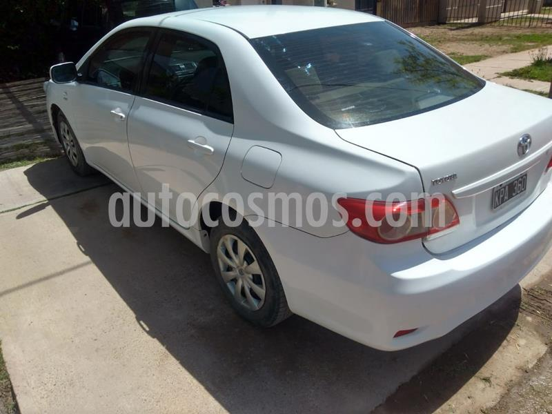 Toyota Corolla 1.8 XLi usado (2011) color Blanco precio $650.000