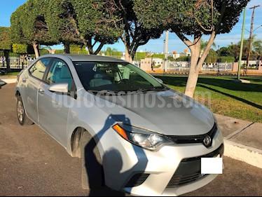 Toyota Corolla CE 1.8L usado (2014) color Plata precio $179,000