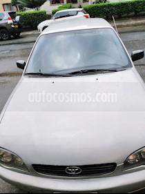 Toyota Corolla 1.6 XLi  usado (2002) color Plata precio $10.000.000