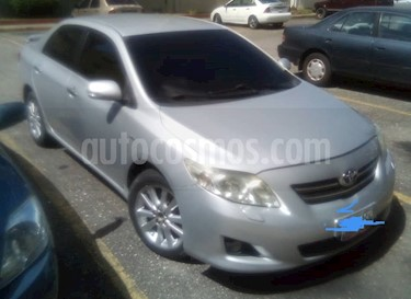 Foto venta carro usado Toyota Corolla GLi  Aut (2010) color Plata precio BoF8.000
