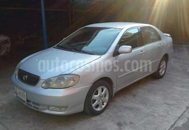 Foto venta carro usado Toyota Corolla GLi  Aut (2005) color Plata precio BoF4.700