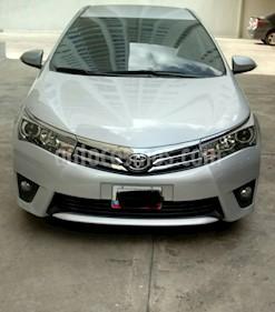 Foto venta carro Usado Toyota Corolla GLi 1.8L Aut (2015) color Plata precio u$s14.700
