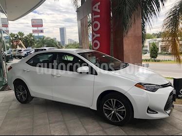 Foto venta Auto Seminuevo Toyota Corolla LE 1.8L Aut (2017) color Blanco