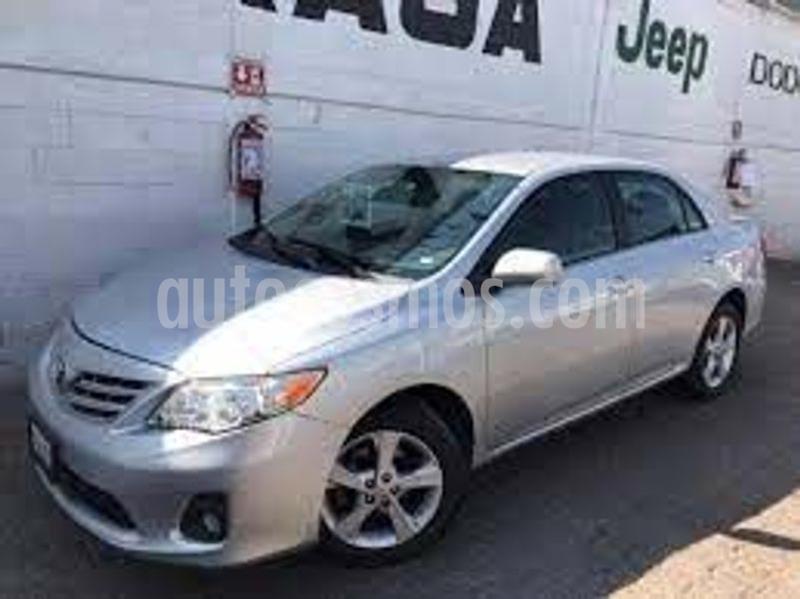 Toyota Corolla XLE 1.8L usado (2013) color Plata precio $150,000