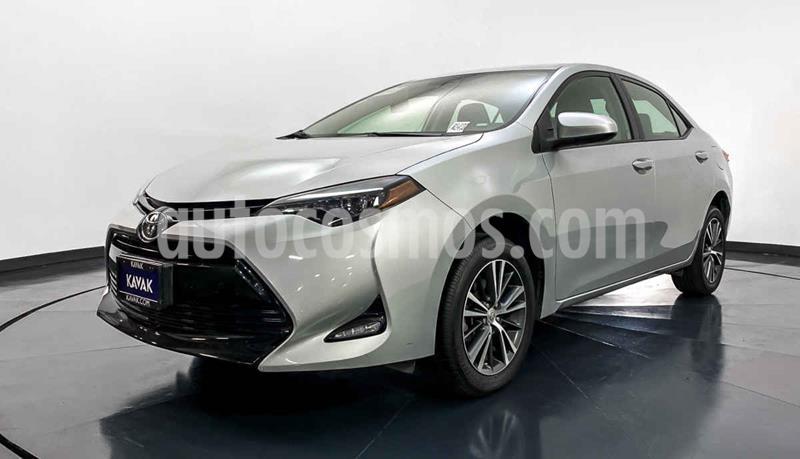Toyota Corolla LE 1.8L Aut usado (2017) color Plata precio $249,999