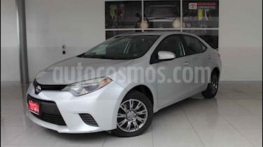 Toyota Corolla 4p Base L4/1.8 Aut usado (2015) color Plata precio $185,000
