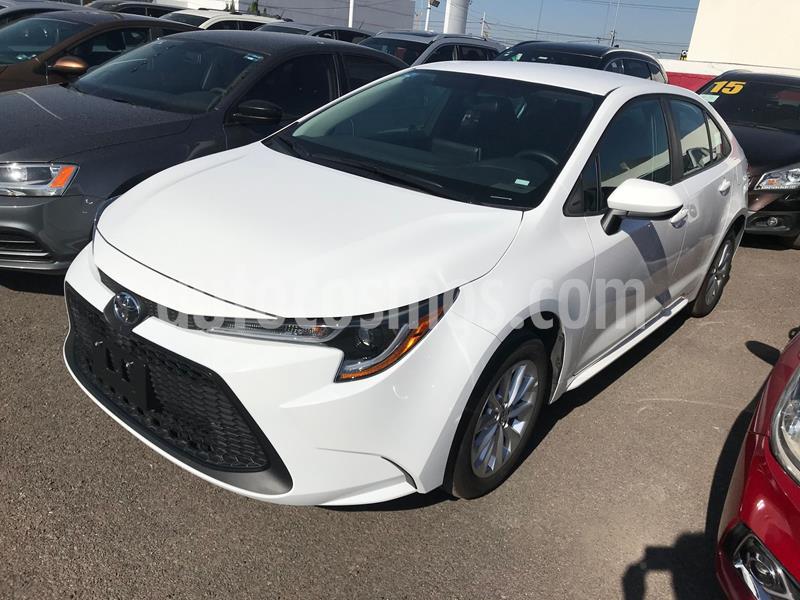 Toyota Corolla LE 1.8L usado (2020) color Blanco precio $330,000