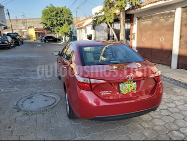 Toyota Corolla LE 1.8L Aut usado (2015) color Rojo precio $179,000