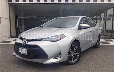 Toyota Corolla LE 1.8L usado (2017) color Plata precio $230,000