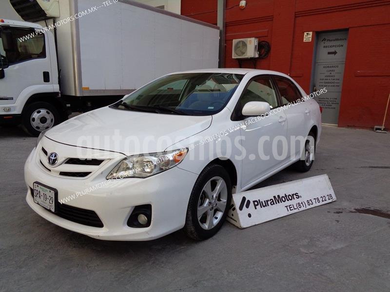 Toyota Corolla XLE 1.8L usado (2011) color Blanco precio $129,000