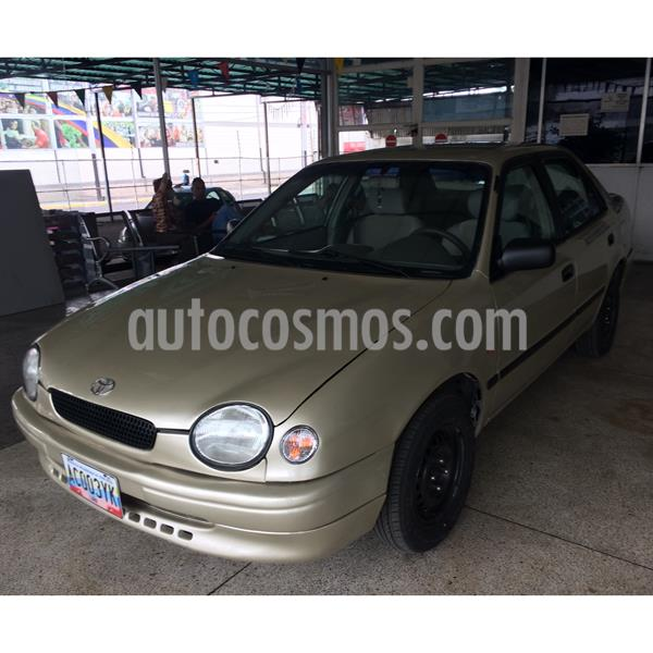 Toyota Corolla Xli Sinc. 1.6 usado (2000) color Bronce precio BoF3.200
