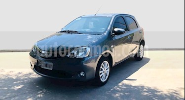 Toyota Etios Hatchback XLS usado (2014) color Gris Oscuro precio $550.000
