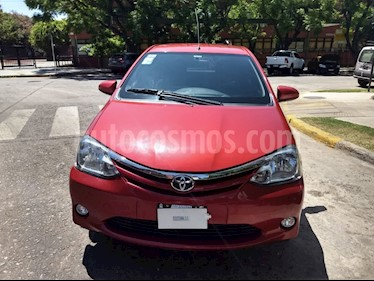 Toyota Etios Hatchback - usado (2014) color Rojo precio $575.000