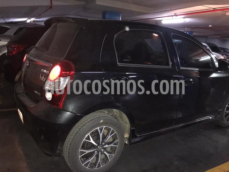 Toyota Etios Hatchback Platinum Aut nuevo color Negro precio $1.300.000