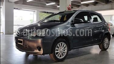 Toyota Etios Hatchback XLS usado (2015) color Gris Oscuro precio $480.000