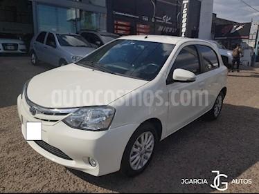 Toyota Etios Hatchback XLS usado (2016) color Blanco precio $1.234.567