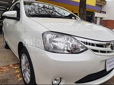 Toyota Etios Hatchback XLS usado (2016) color Blanco precio $695.000