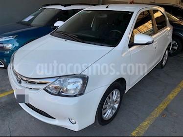 Toyota Etios Hatchback 1.5 XLS (90cv) 5Ptas. usado (2016) color Blanco precio $695.000