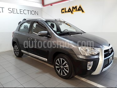 Toyota Etios Hatchback Cross usado (2014) color Gris Oscuro precio $520.000