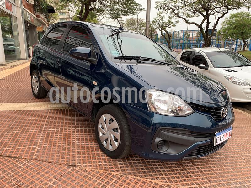 Toyota Etios Hatchback XS 2016/17 usado (2017) color Azul precio $925.000