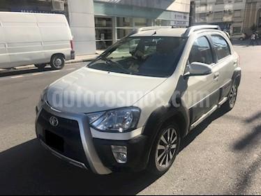 Foto venta Auto usado Toyota Etios Hatchback Cross (2014) color Blanco precio $375.000