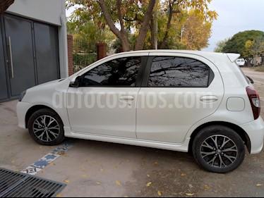 Foto venta Auto usado Toyota Etios Hatchback Platinum Aut 2016/17 (2017) color Blanco Perla precio $490.000