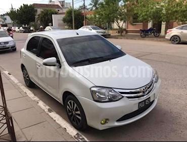 Toyota Etios Hatchback Platinum usado (2015) color Blanco Perla precio $440.000