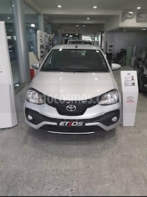 Foto venta Auto usado Toyota Etios Hatchback X (2019) color Gris Plata  precio $518.000