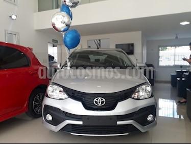 Foto venta Auto usado Toyota Etios Hatchback X (2019) color Gris Plata  precio $503.000