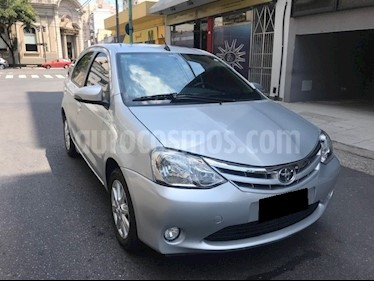 Foto venta Auto usado Toyota Etios Hatchback XLS Aut 2016/17 (2016) color Gris Plata  precio $440.000