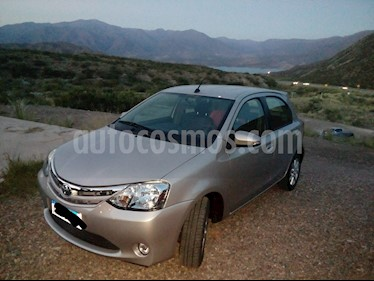 Foto venta Auto usado Toyota Etios Hatchback XLS Aut (2017) color Gris Plata  precio $495.000