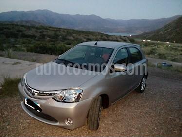 Toyota Etios Hatchback XLS Aut usado (2017) color Gris Plata  precio $495.000